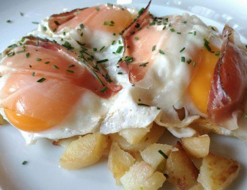 Patate con cipolla speck e uova