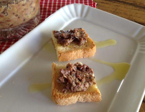 Tapenade di olive e acciughe