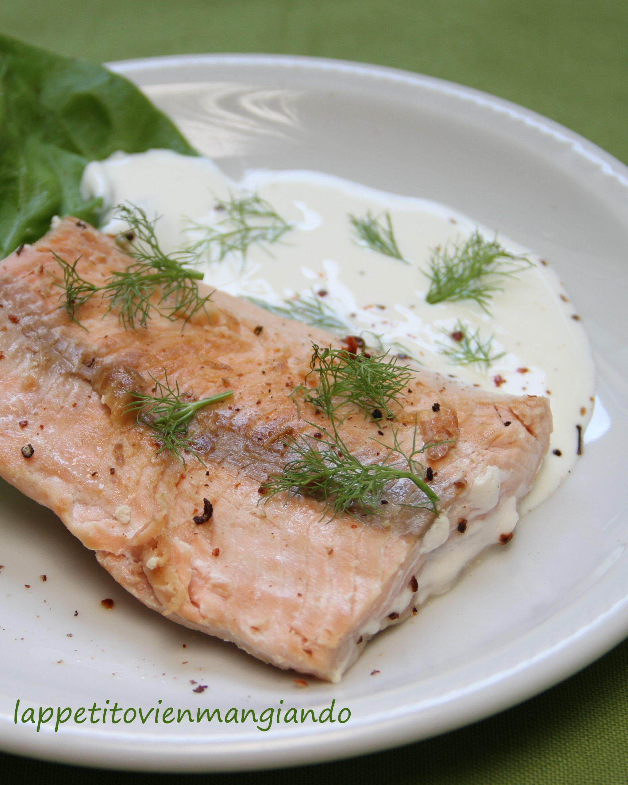 Salmone arrostito e panna acida