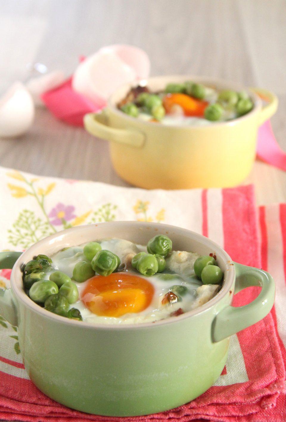 Uova al forno ricotta guanciale piselli