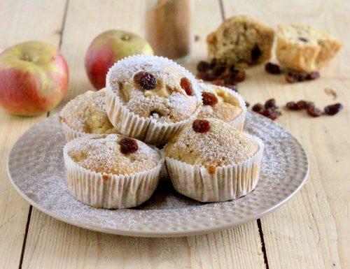 Muffin mele uvetta e cannella