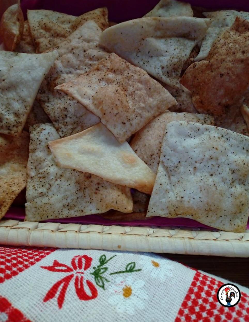 Crackers al pepe nero