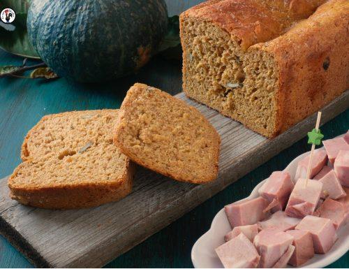 Pane di zucca con polpa e semi