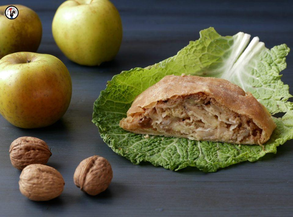 Strudelsalato mele, verza e camembert