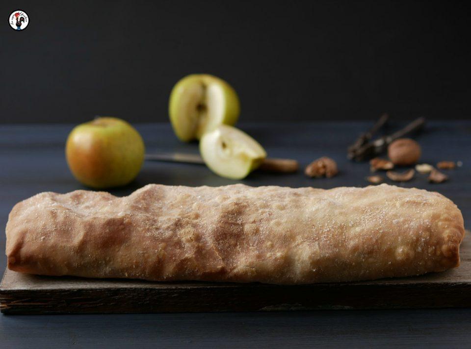 Strudel di mele con verza e camembert