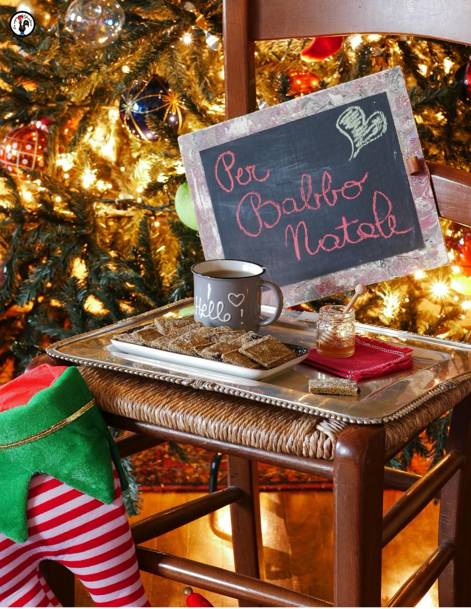 Biscotti per Babbo Natale, con farina di canapa e mirtilli disidratati