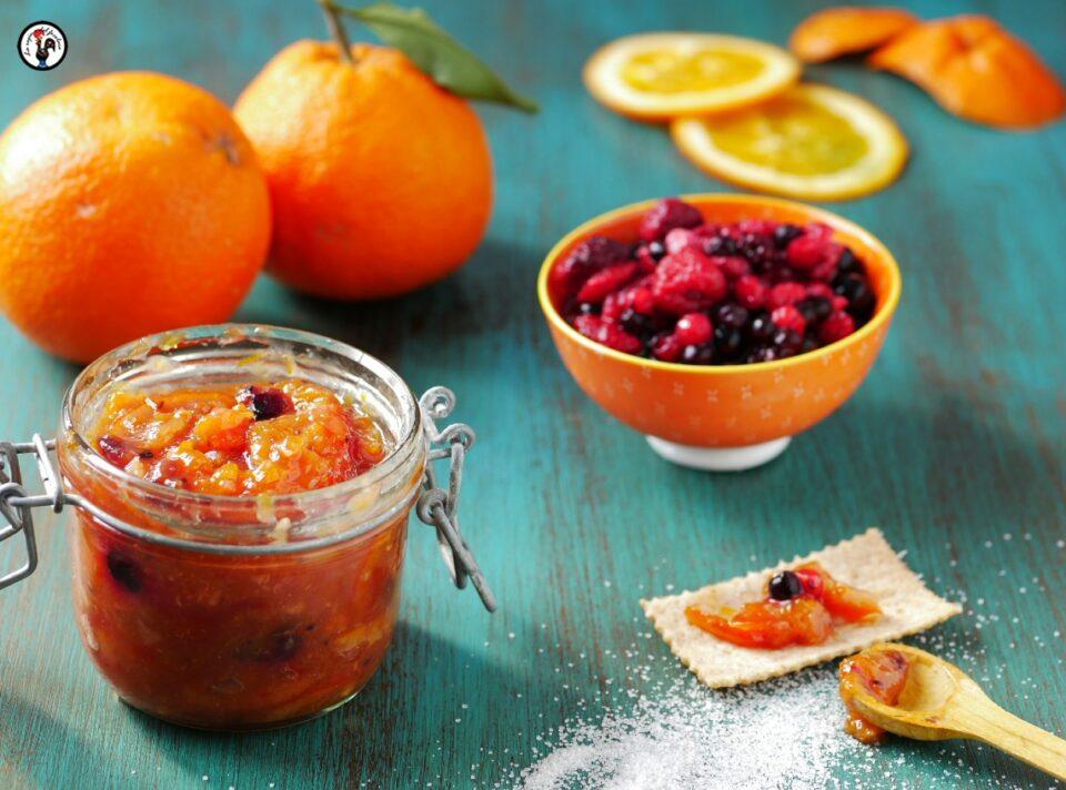 Marmellata di arance biologiche e frutti rossi