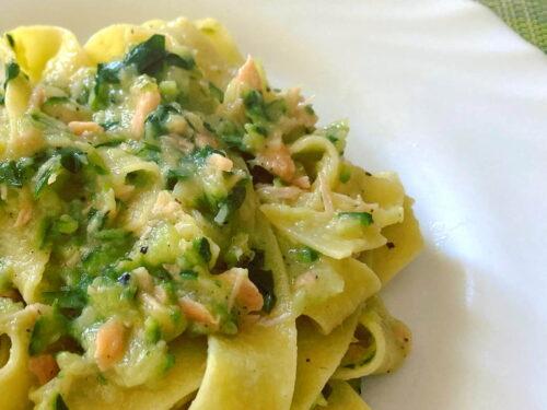 Pappardelle con zucchine e salmone affumicato