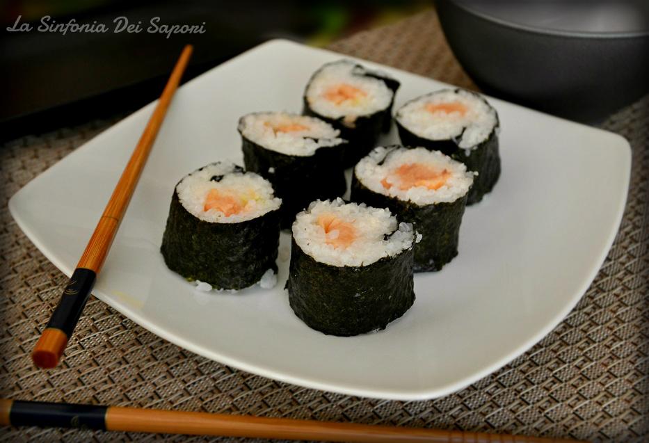 HOSOMAKI al salmone affumicato| sushi