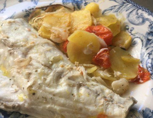 Filetti di Orata al forno con patate e cipolle