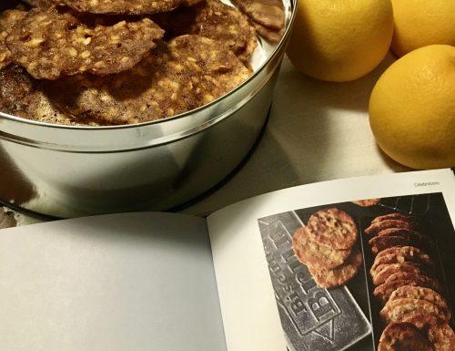 """Biscotti croccanti con fiocchi d'avena """"Oats and orange cookies"""""""