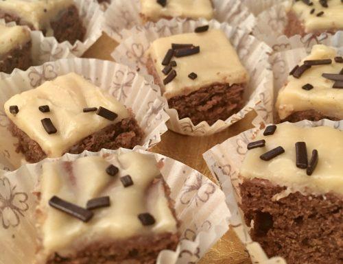 Brownies al cioccolato con glassa all'Irish Cream