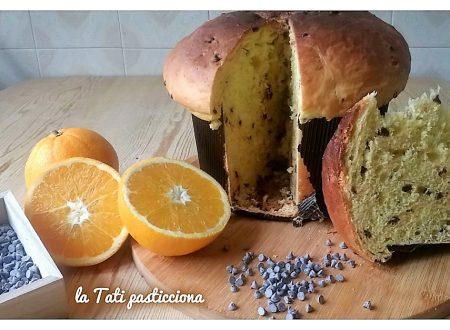 Panettone con impasto di patate arancia e cioccolato