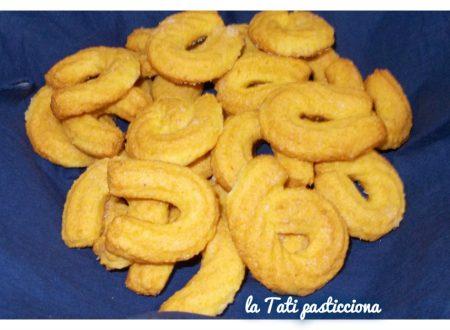 Biscotti polentini con farina di mais