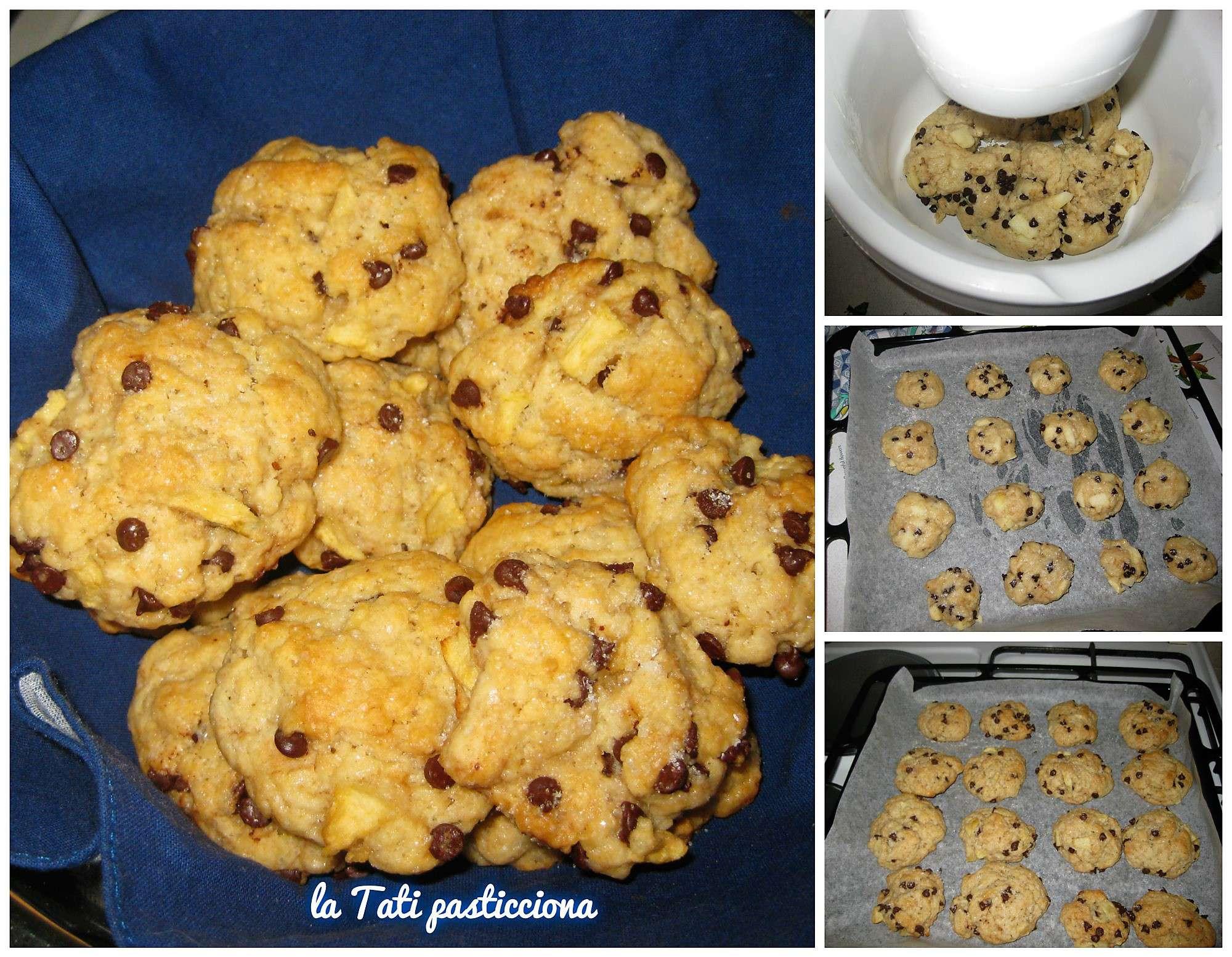 Biscotti mela e gocce di cioccolato