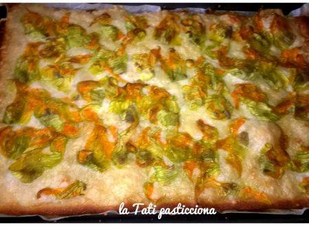 Pizza istantanea con fiori di zucca