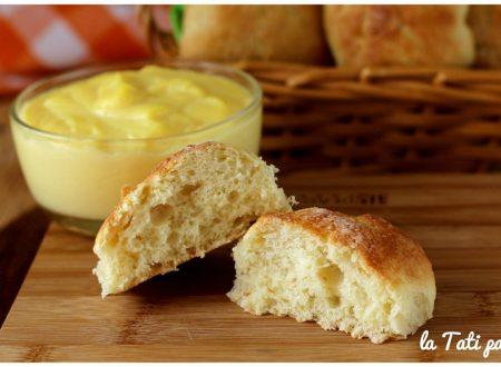 Cremotte: brioche con crema pasticcera nell'impasto