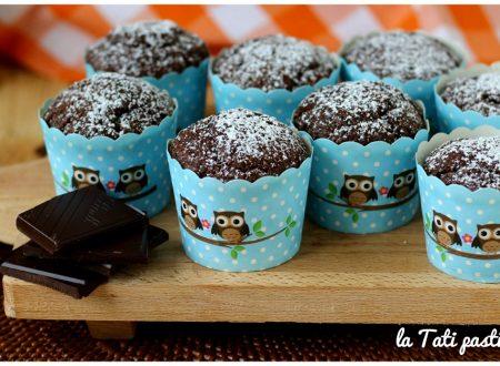 Muffin all'acqua e cioccolato fondente