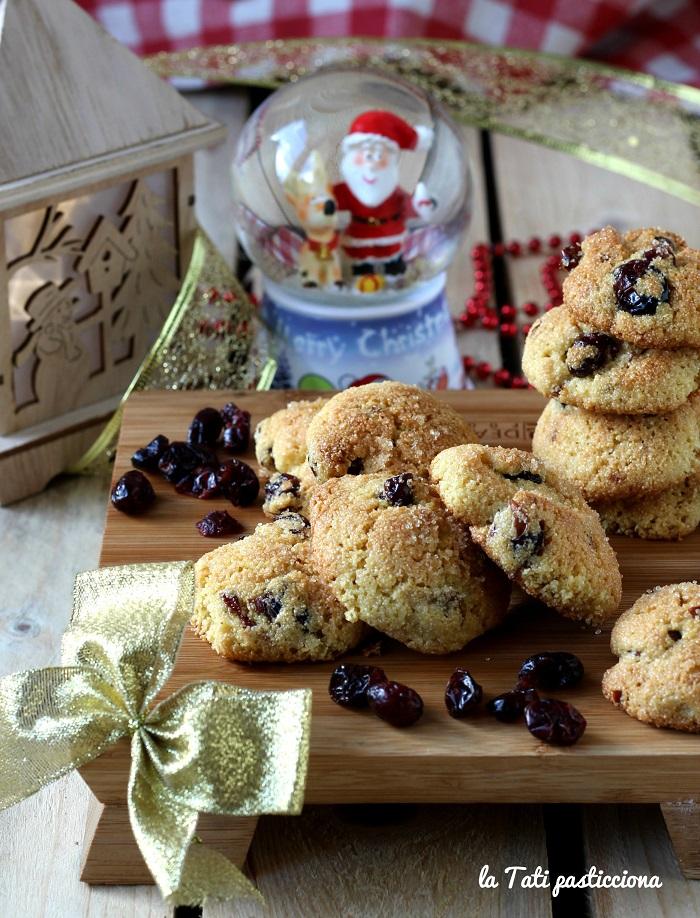 Biscotti di Semolino e Mirtilli Rossi