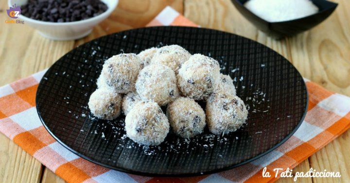 tartufini cocco e gocce di cioccolato IMMAGINE IN EVIDENZA
