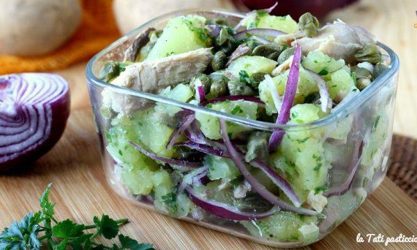 Patate e sgombro in insalata
