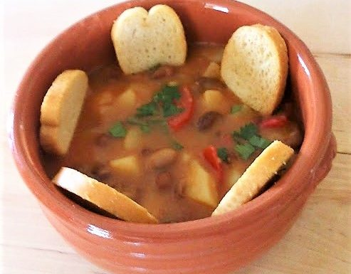 Zuppa con fagioli e patate ricetta