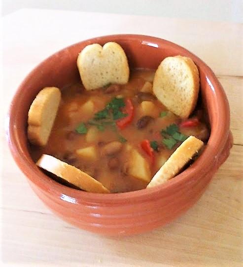 Zuppa con fagioli e patate