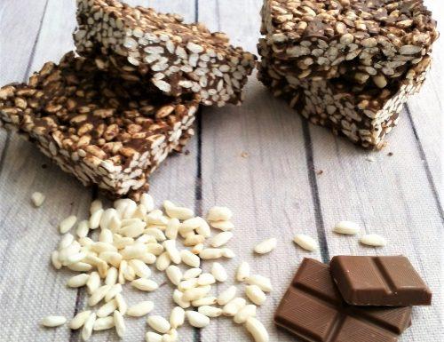 Barrette di riso soffiato e cioccolato ricetta facile senza cottura