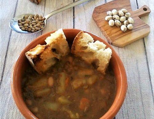 Zuppa di fagioli lenticchie e patate