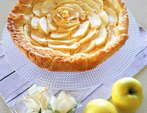 Crostata con mele e crema pasticcera fatta in casa