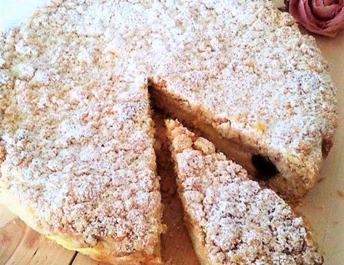 Torta crema e amarene sciroppate pasta frolla sbriciolata