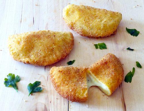 Panzerotti di patate al formaggio ricetta
