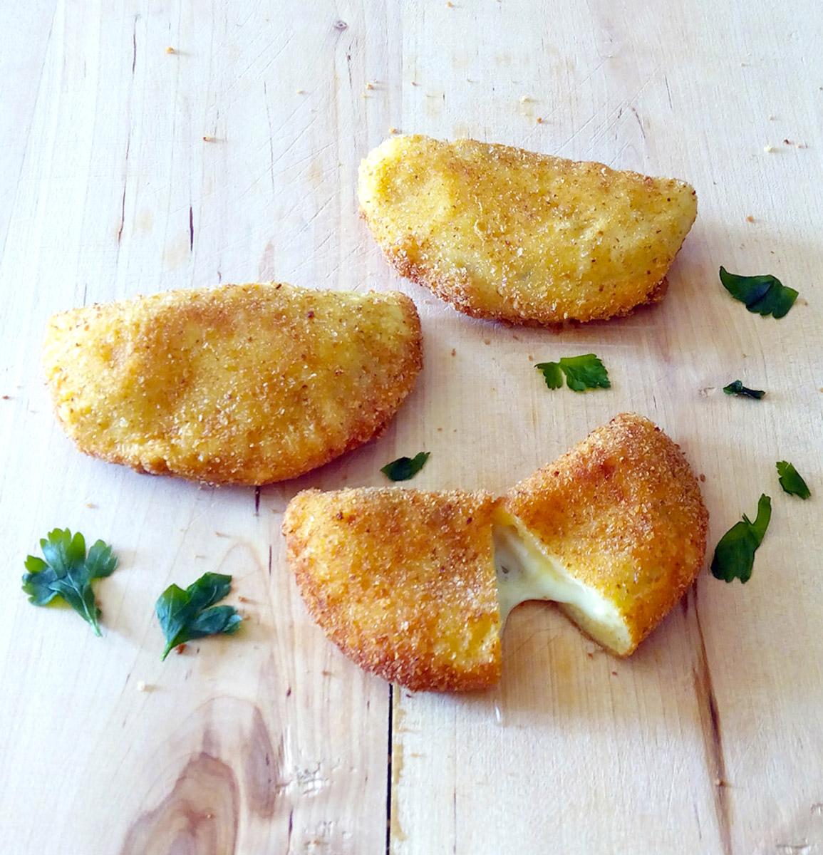 Panzerotti di patate al formaggio