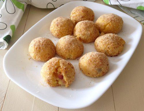Crocchette di patate al forno con ripieno filante
