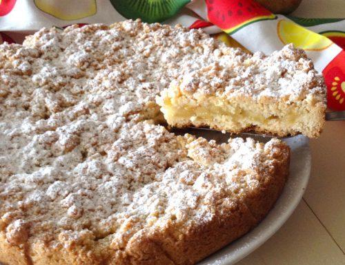 Torta sbriciolata con le mele semplice