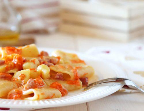 Paccheri zucca patate e pancetta