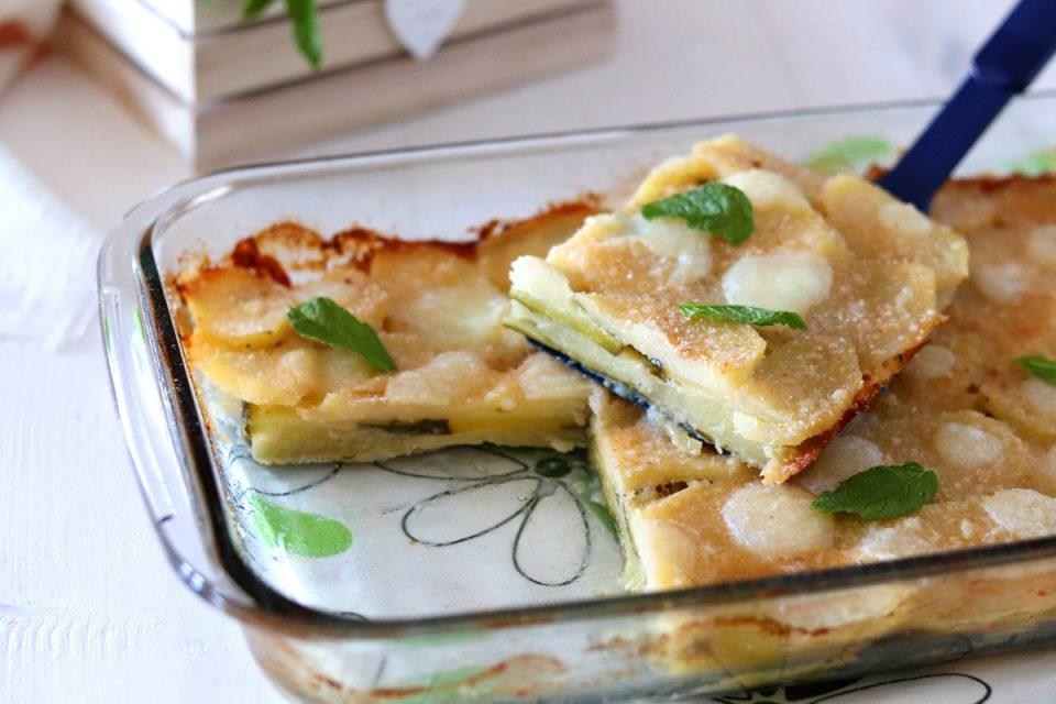Parmigiana bianca di patate e zucchine fetta dx