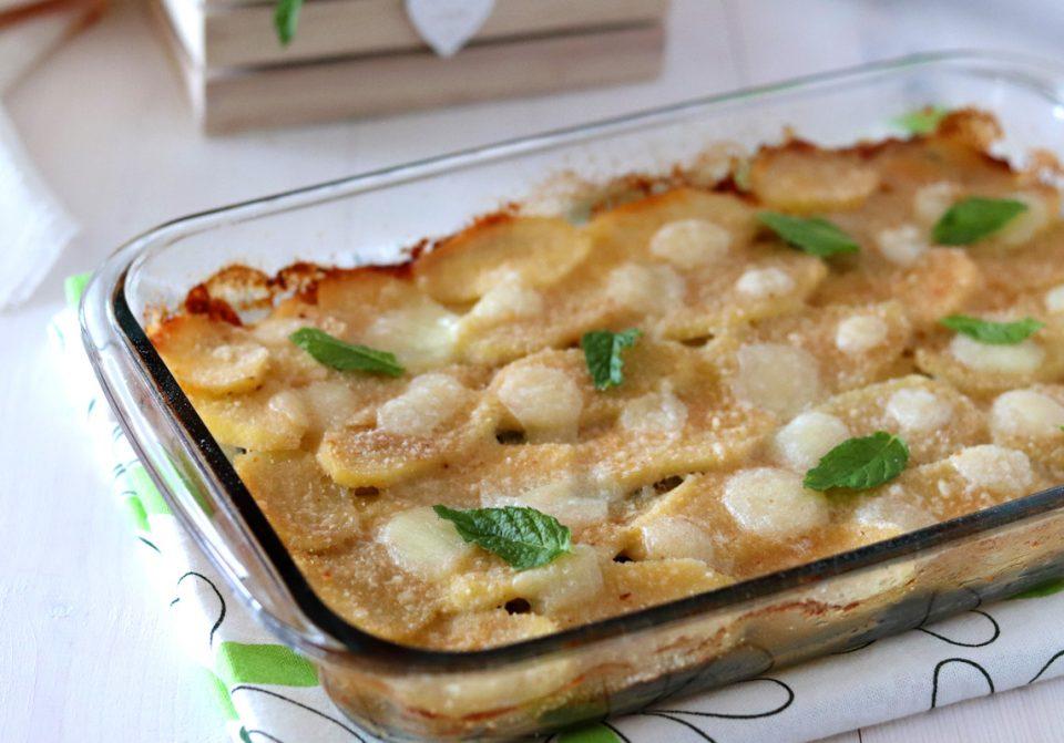Parmigiana bianca di patate e zucchine intera