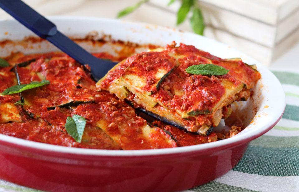 Parmigiana rossa di zucchine a crudo fetta