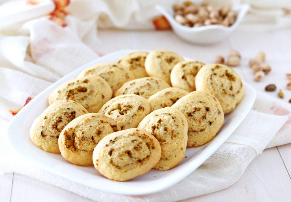 Biscotti facili con granella di pistacchi