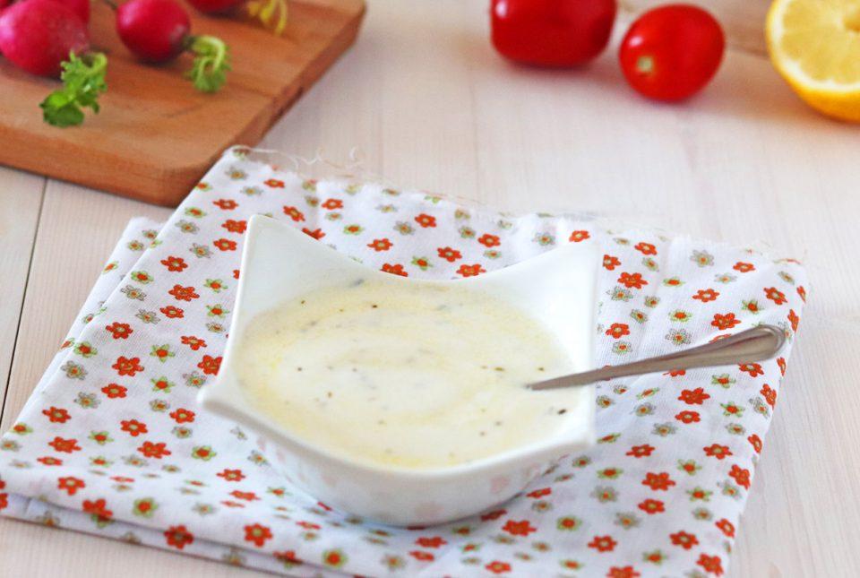 Salsa allo yogurt fresca ed estiva