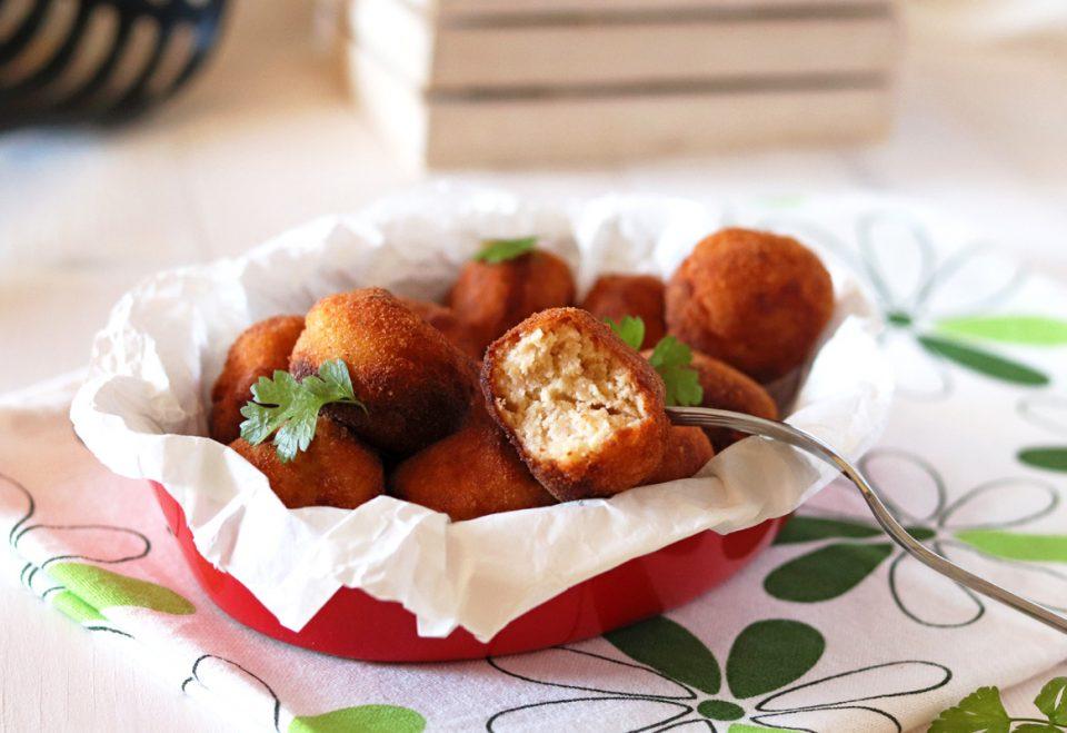 Polpette di purè di patate e ricotta dentro