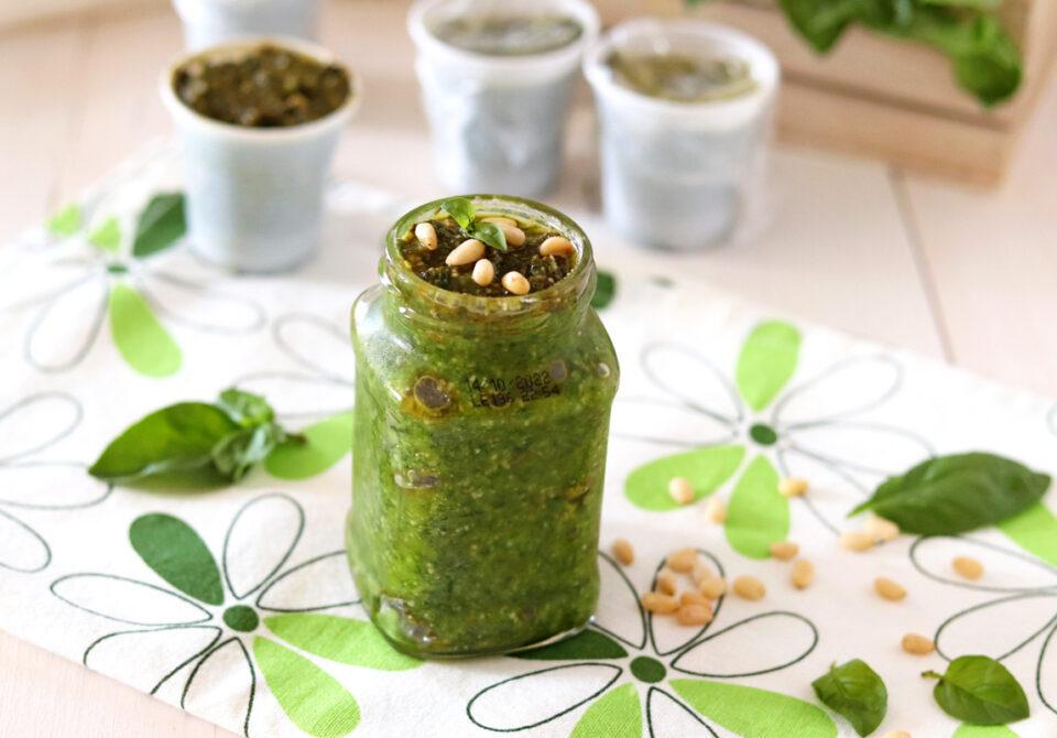 Pesto di basilico con e senza aglio