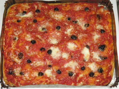 """Pizza """"muddiata"""",ricetta siciliana"""