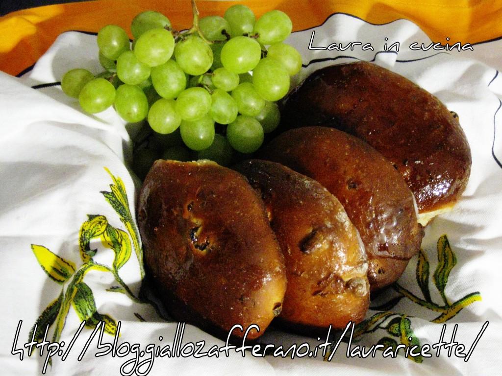 Pane dolce con il mosto con farina di farro