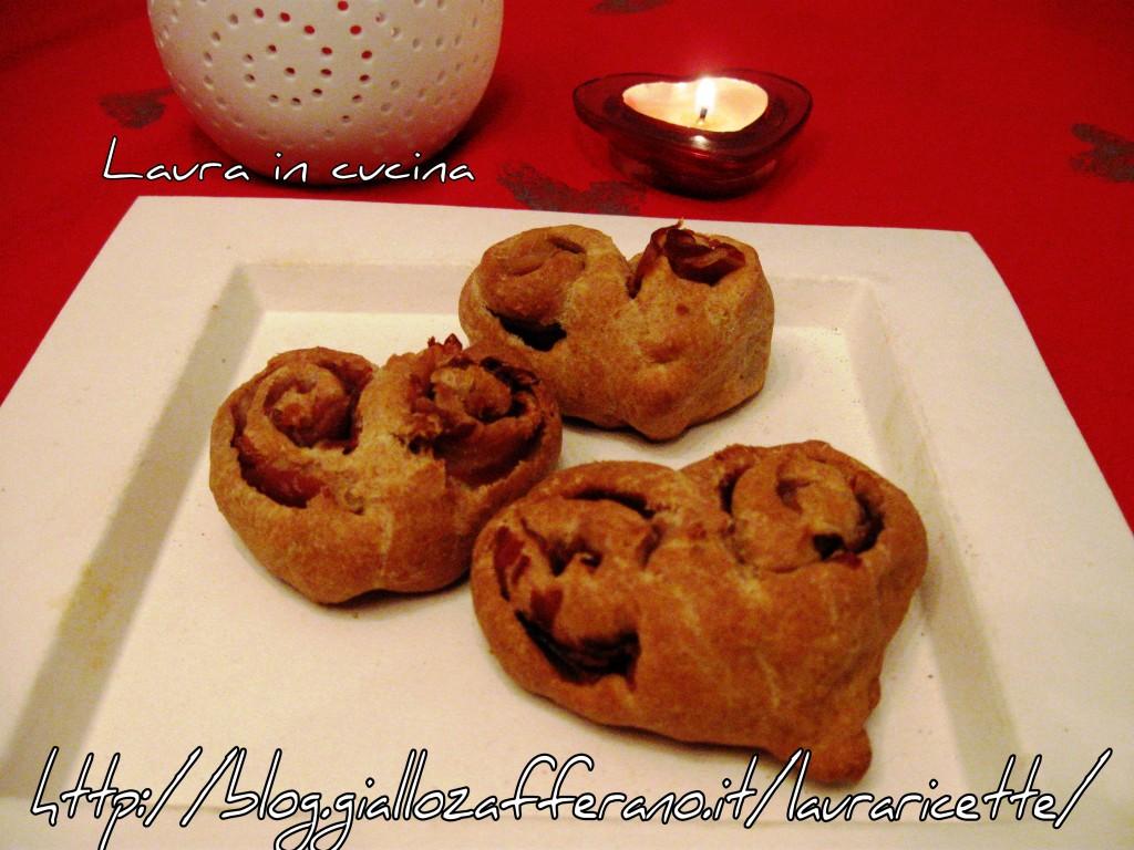 Panini morbidi al farro con prosciutto e fomaggio,ricetta romantica