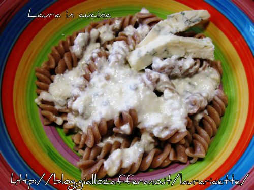 Fusilli al farro alla ricotta e gorgonzola,ricetta primi piatti
