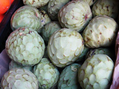 Chirimoya , chirimuya o cherimoya