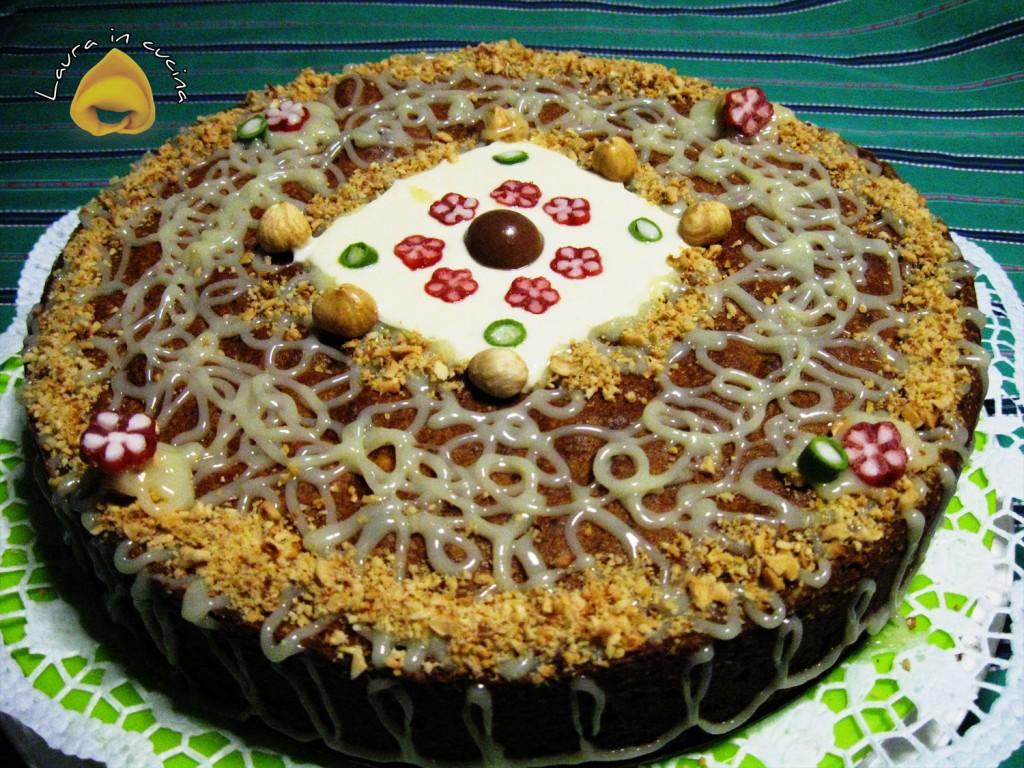 Torta di nocciole ricetta dolci-laura-in-cucina