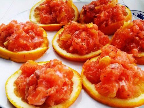 Tartare di salmone all'arancia ricetta facile